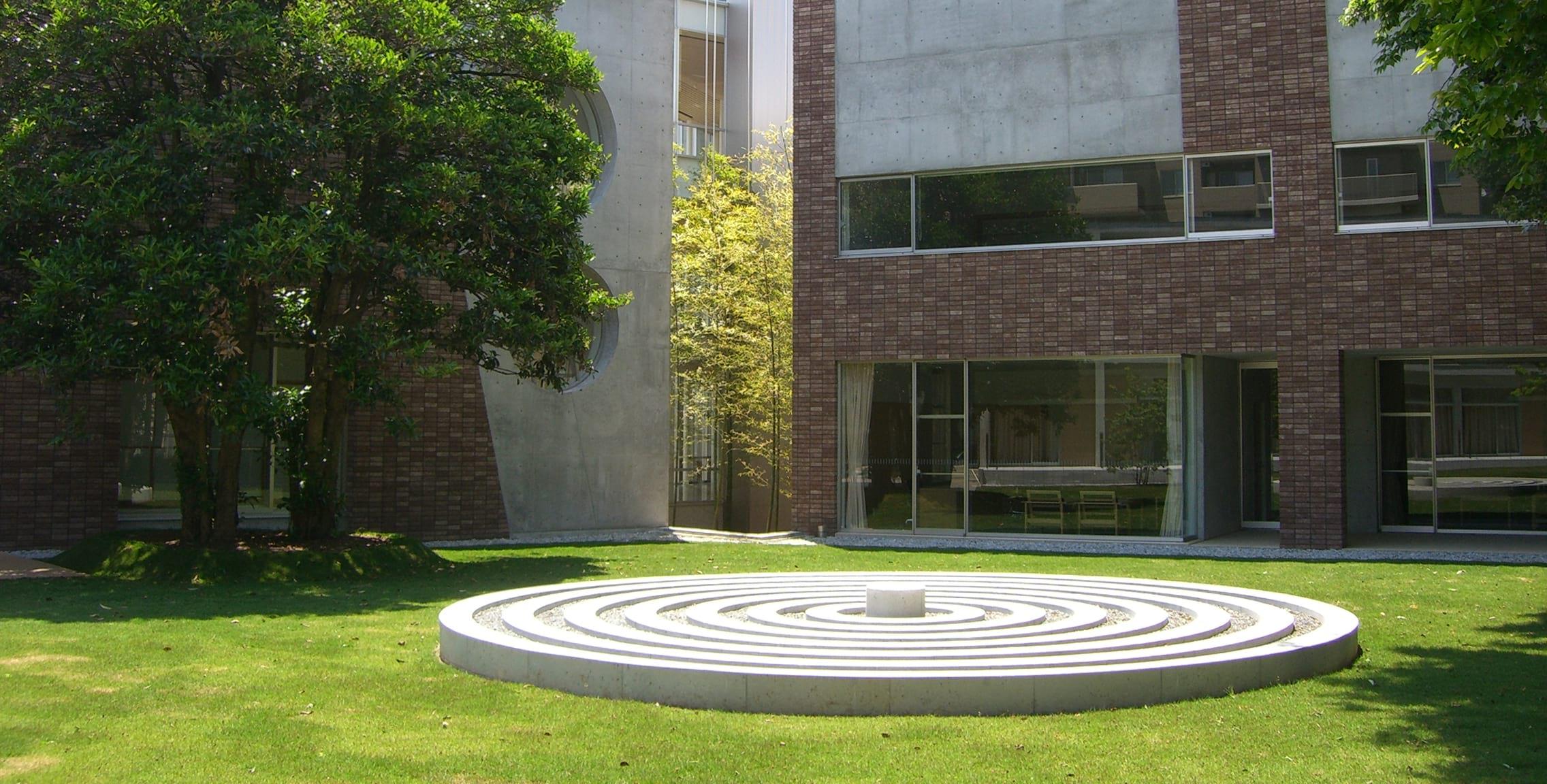 綠樹環繞的校園